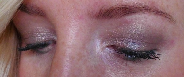 Date-night-makeup-urban-decay-naked-maybelline-color-tattoo-taupe-emerald-green-1