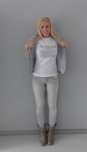 OOTD-outfit-blogger-wit-shirt-grijs-colbert-grijze-jeans-2