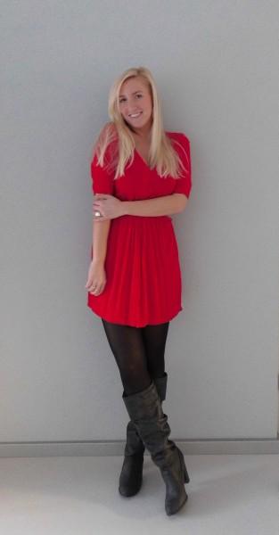 OOTD-rood-jurkje-zwarte-laarzen-red-dress-black-boots-3