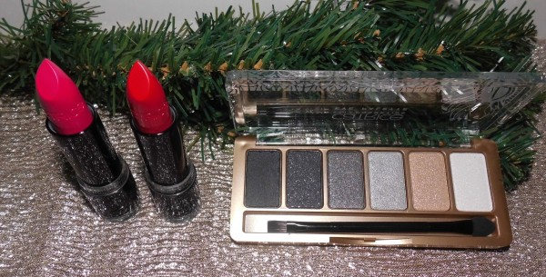 catrice-feathers-pearls-palette-en-lippenstift-roaring-red-charleston-fame-1