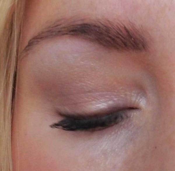 MAC-Limited-Edition-Extra-dimension-eye-shadow-sweat-heat-11