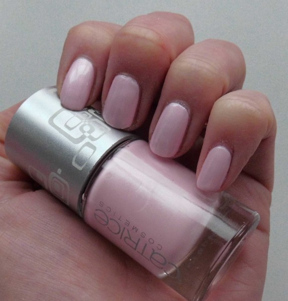 Catrice-Limited-Edition-Creme-fresh--nail-lacquer-another-pink-panther-3