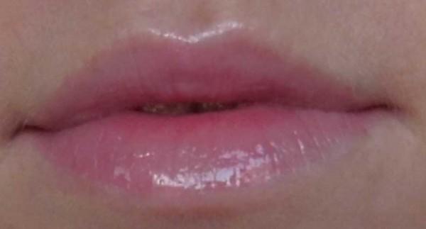 H&M-lipgloss-soft-pink-1
