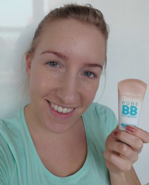 Mega-budget-BB-Cream-creme-review-Maybelline-Pure-5