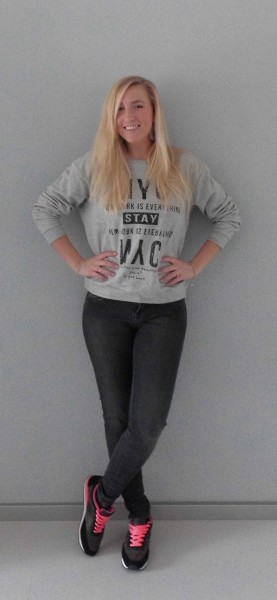 OOTD-New-York-Sweater-Mango-grey-skinny-Bershka-nike-nikes-2