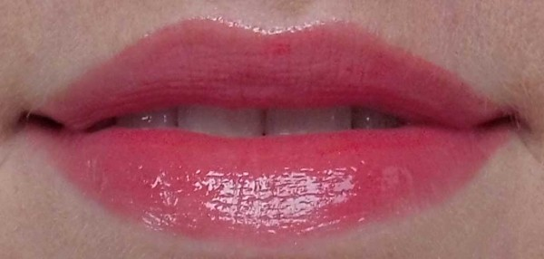 Catrice-Made-To-Stay-Smoothing-Lip-Polish-030-Strawberry's-secret-2