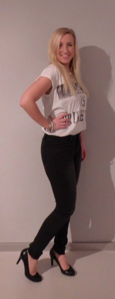 ootd-outfit-shirt-zara-blondes-vs-brunettes-high-waisted-jeans-vero-moda-pumps-van-haren-1