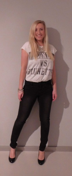 ootd-outfit-shirt-zara-blondes-vs-brunettes-high-waisted-jeans-vero-moda-pumps-van-haren-2