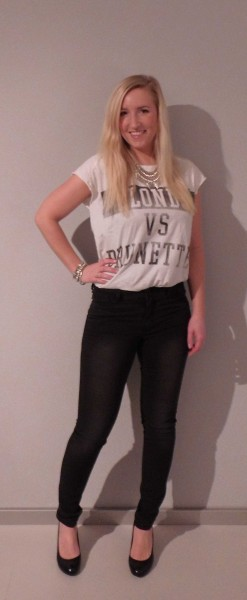 ootd-outfit-shirt-zara-blondes-vs-brunettes-high-waisted-jeans-vero-moda-pumps-van-haren-3