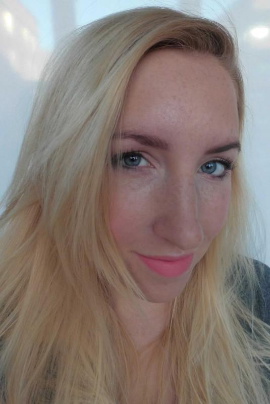 MUA-lipstick-matte-peachy-keen-en-highlighter-1