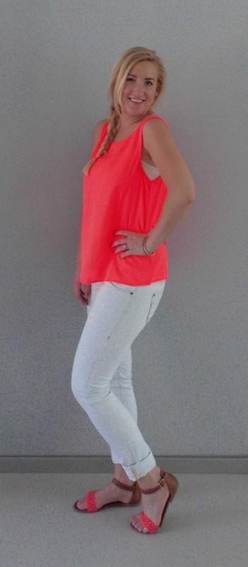 OOTD-outfit-neon-roze-oranje-sandalen-primark-light-jeans-bershka-2