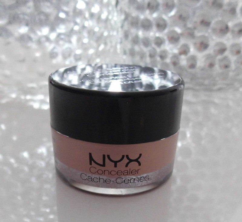 NYX-full-coverage-concealer-03-light-2