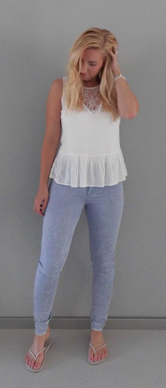 OOTD-outfit-of-the-day-peplum-top-vero-moda-kant-high-waisted-legging-jeans-vero-moda-pieces-havaianas-1