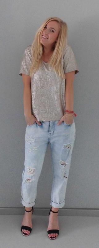 OOTD-outfit-waisted-boyfriend-jeans-primark-metalic-gold-shirt-H&M-bracelets-armbandjes-hippie-1