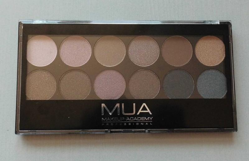 Review-MUA-Undress-eyeshadow-palette-2
