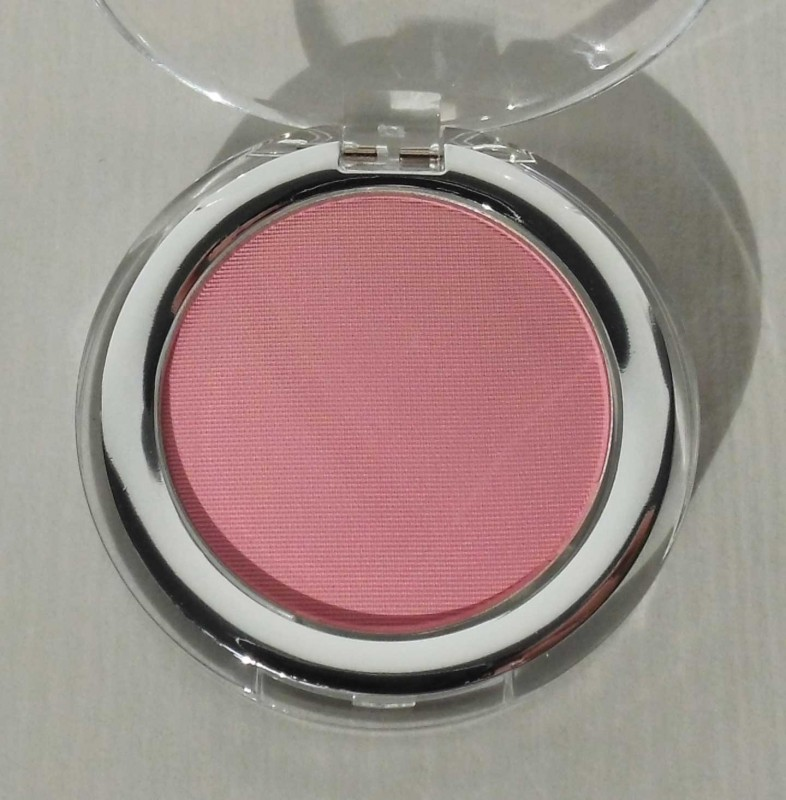 Review-The-Body-Shop-blush-in-04-Marshmallow-2
