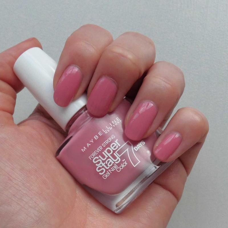 NOTD-Nails-nagellak-nailpolish-Maybelline-super-stay-135-nude-rose-1