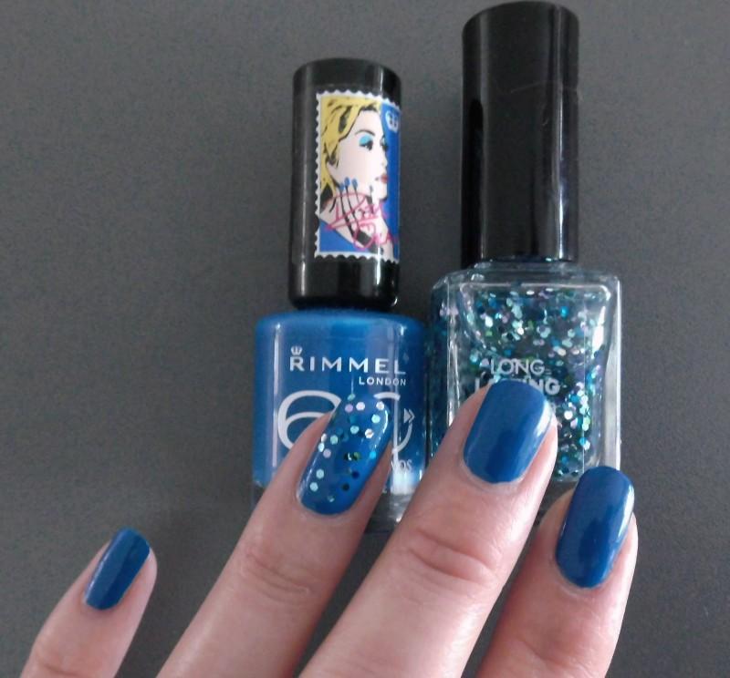 NOTD-nails-nagellak-rimmel-by-Rita-Ora-blindfold-me-blue-en-Hema-Ocean-Glitter-3