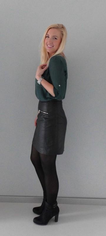OOTD-outfit-office-work-day-netjes-leren-rok-hm-blouse-donkergroen-zwarte-laarzen-laarsjes-van-haren-2