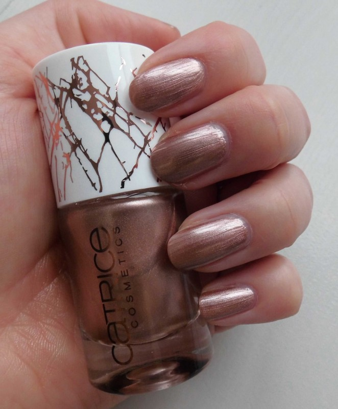 Review-Catrice-Metallure-Limited-Edition-nailpolish-nagellak-Metalight-en-Luminizing-bronzer-6
