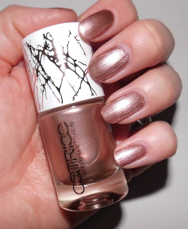 Review-Catrice-Metallure-Limited-Edition-nailpolish-nagellak-Metalight-en-Luminizing-bronzer-8