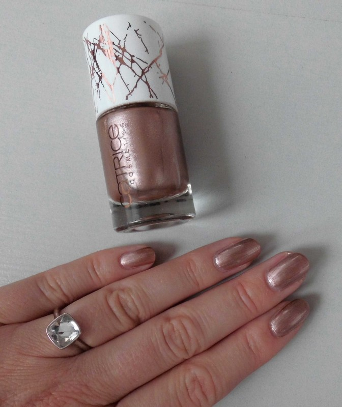 Review-Catrice-Metallure-Limited-Edition-nailpolish-nagellak-Metalight-en-Luminizing-bronzer-9