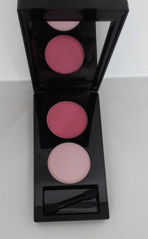 Review-Stendhal-oogschaduw-palette-in-188-duo-rose-Carnaval-3