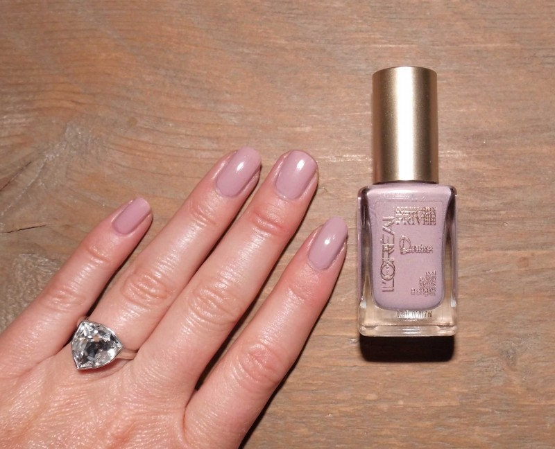 NOTD-nagels-L'Oréal-Collection-Privee-Doutzen-Nude-nailpolish-nagellak-review-7