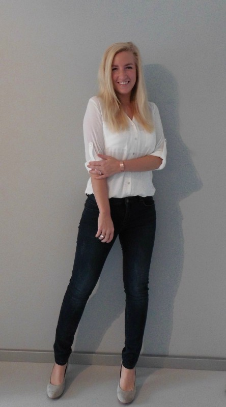 OOTD outfit work classic white witte blous H&M jeans bershka pumps van haren 3