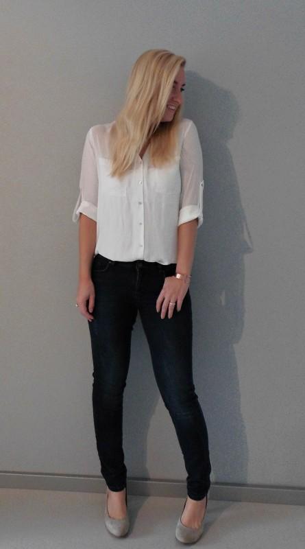 OOTD outfit work classic white witte blous H&M jeans bershka pumps van haren 4