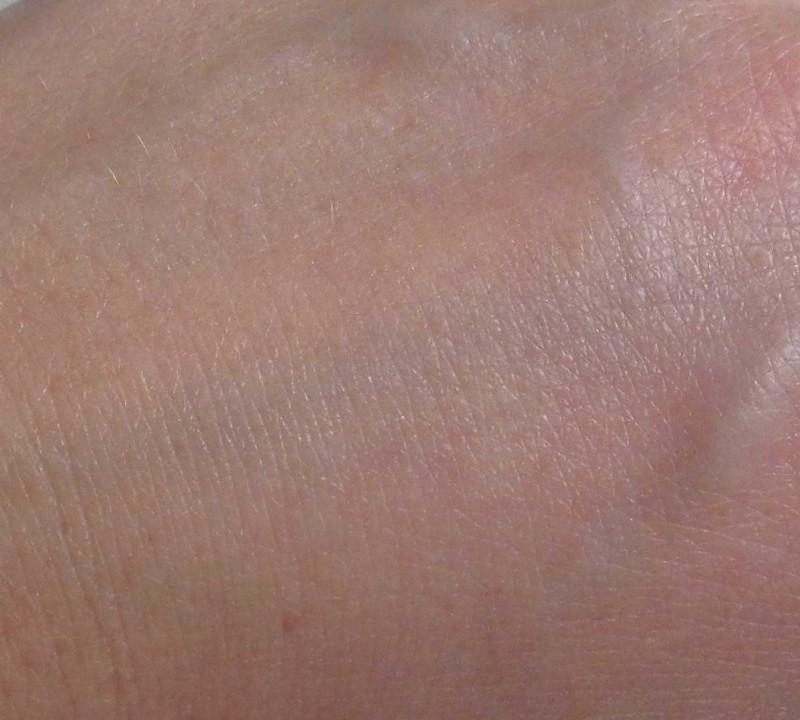 Review-CareForSkin.nl-Victoria's-Secret-Vanilla-Lace-Hand-Bodylotion-6