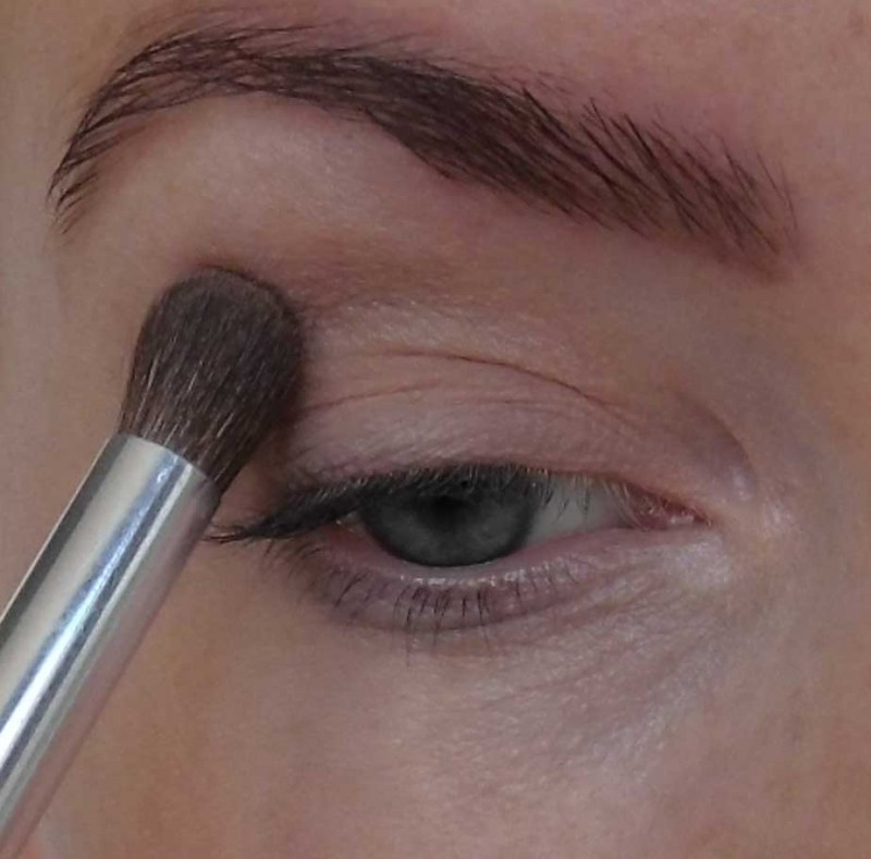 Trend-look-tutorial-herfst-2014-New-Nude-Urban-Decay-Naked-the-basics-2-palette-6