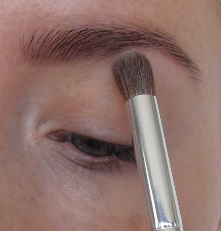 Trend-look-tutorial-herfst-2014-New-Nude-Urban-Decay-Naked-the-basics-2-palette3