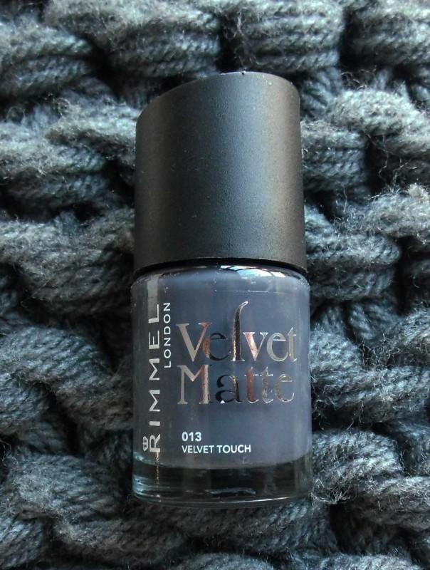 NOTD-nagels-nails-nailpolish-nagellak-rimmel-london-velvet-touch-matte-1