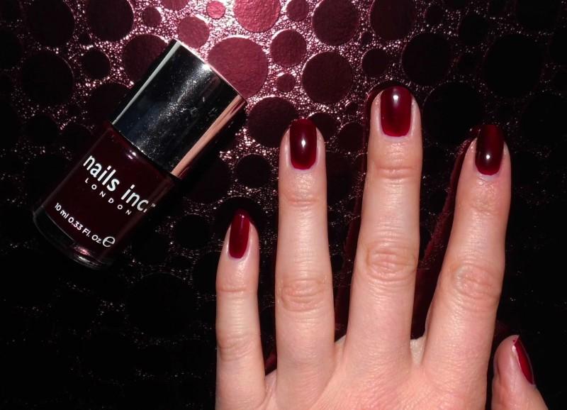 NOTD-nail-nailpolish-nagellak-bordeaux-rood-donkerrood-red-Nails-Inc-383-Victoria-13