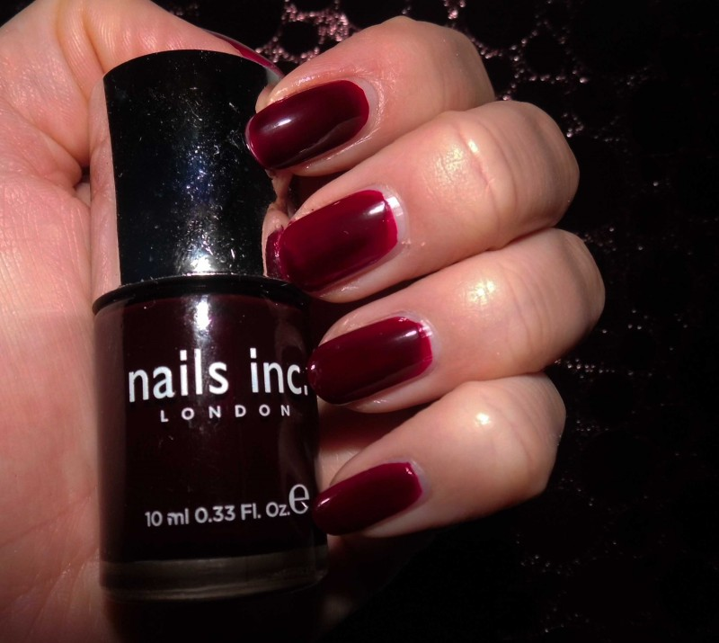 NOTD-nail-nailpolish-nagellak-bordeaux-rood-donkerrood-red-Nails-Inc-383-Victoria-4