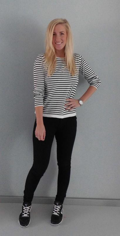 OOTD-Outfit-look-zwart-wit-black-white-stripes-nikes-nike-primark-1
