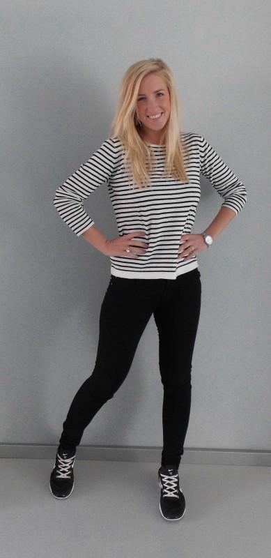 OOTD-Outfit-look-zwart-wit-black-white-stripes-nikes-nike-primark-2