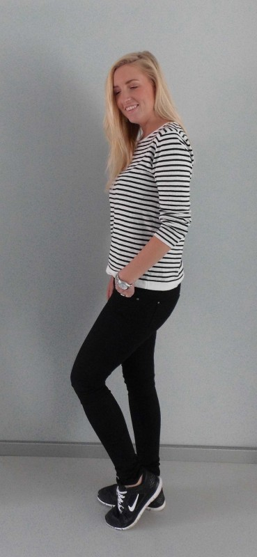 OOTD-Outfit-look-zwart-wit-black-white-stripes-nikes-nike-primark-3