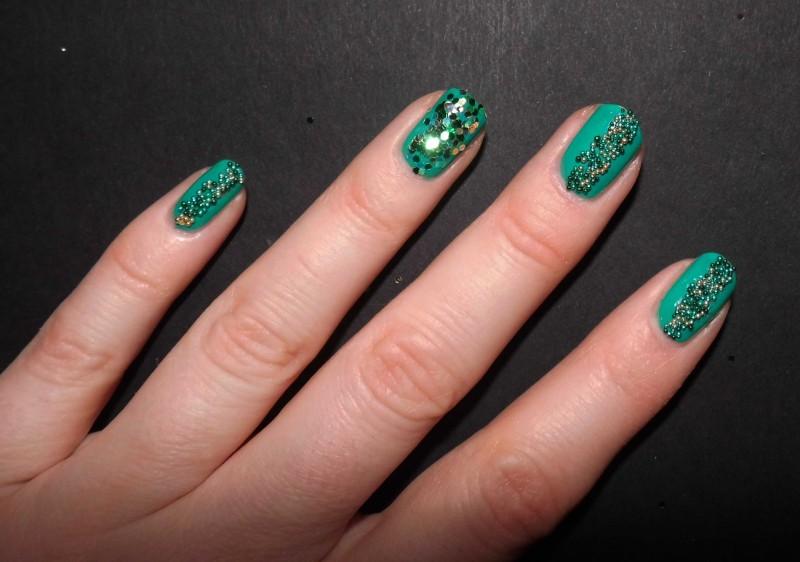 Kerst-nailart-nails-nagellak-nagels-NOTD-ciaté-caviar-glitter-groen-green-emerald-12