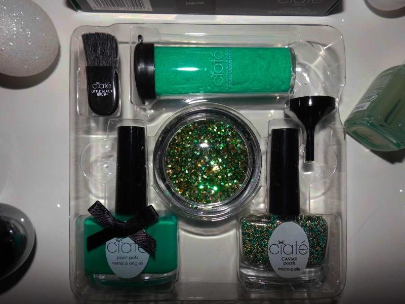 Kerst-nailart-nails-nagellak-nagels-NOTD-ciate-caviar-glitter-groen-green-emerald-2