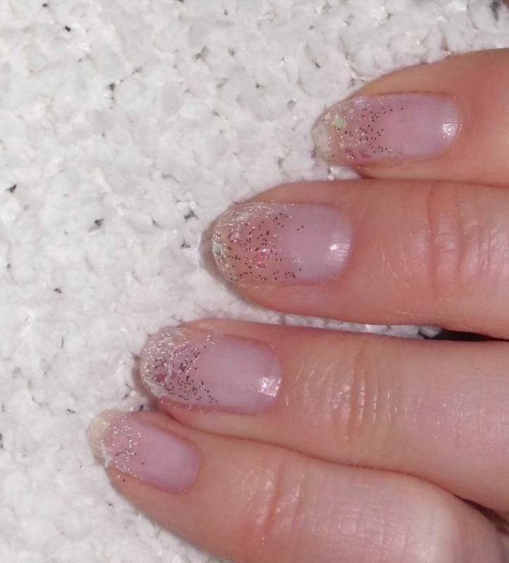 snelle-simpele-nailart-nagellak-nagels-diy-tutorial-winter-sneeuw-glitter-14