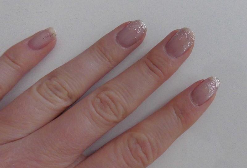snelle-simpele-nailart-nagellak-nagels-diy-tutorial-winter-sneeuw-glitter-6