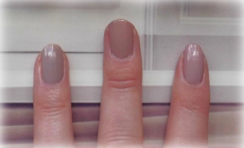 Dupe L'Oréal Collection Privee nagellak nailpolish 600 Doutzen's nude perfecte nude nagels nederland blondiebeautyfashion 7