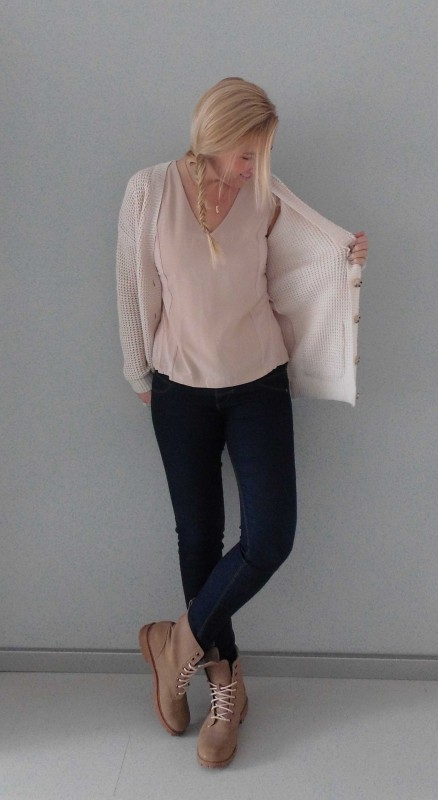 OOTD-outfit-beige-nude-stoer-soft-casual-boots-H&M-bershka-zara-1