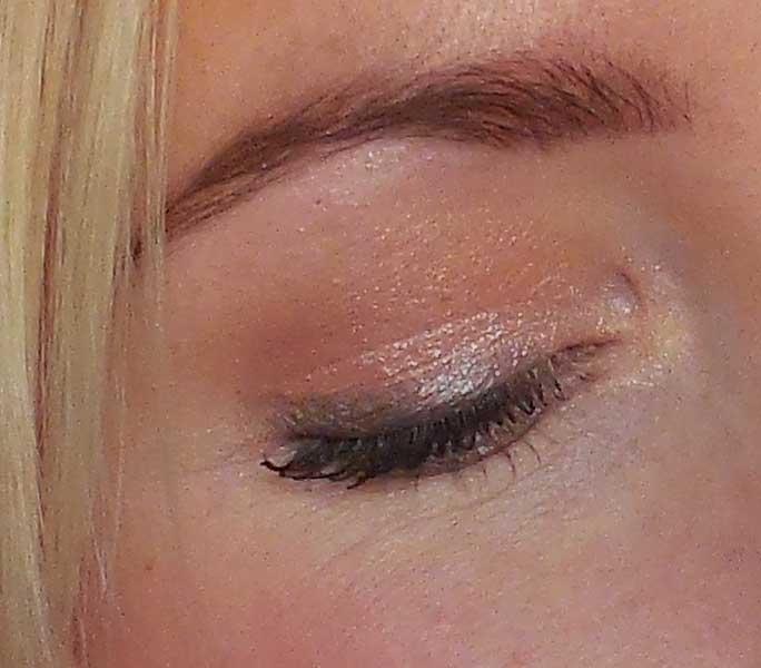 review-makeup-geek-foiled-eyeshadow-in-the-spotlight-en-beaches-and-cream-oogschaduw-look-bruiloft-1