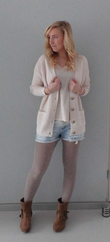 OOTD-outfit-of-the-day-what-im-wearing-look-style-fashion-date-comfy-casual-jeans-shorts-waisted-scheuren-broekje-vest-pastel-nude-1