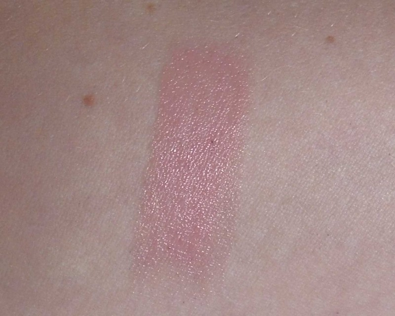Catrice-Nude-Purism-limited-edition-collectie-review-lippenstift-lipstick-c02-silky-rose-3