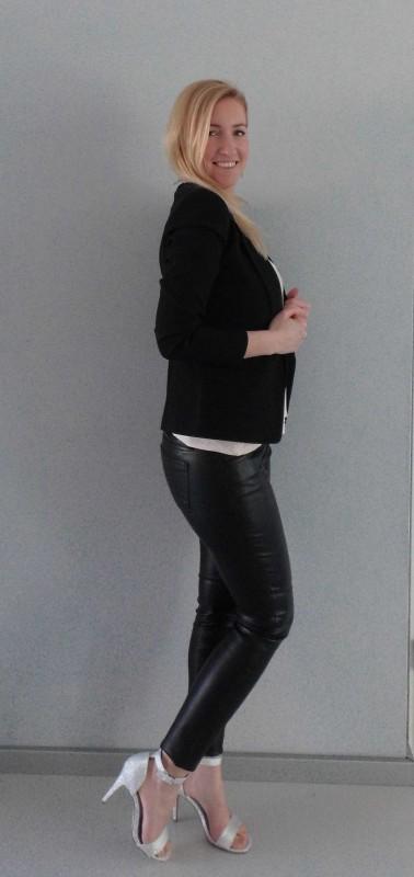 OOTD-outfit-leren-broek-leather-pants-glitter-hakken-sandalette-colbert-blazer-zwart-party-feestje-sexy-stijlvol-1