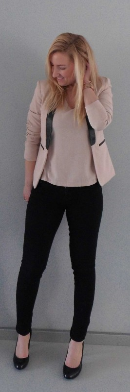 ootd-outfit-colbert-blazer-jeans-pumps-poeder-roze-zwart-netjes-werk-work-2